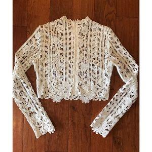 Long sleeve lace crop🦄